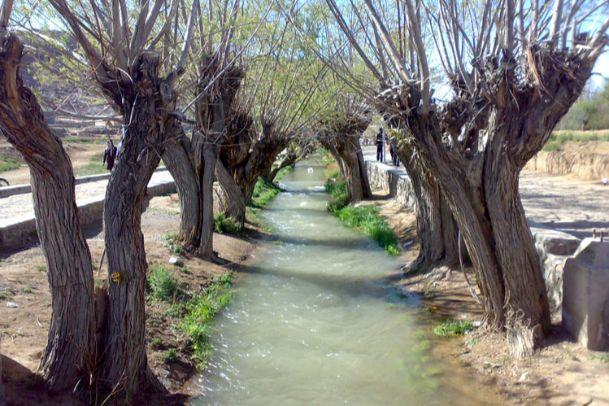 تصاویر چشمه غربالبیز