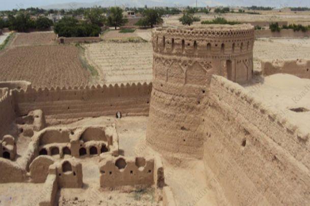 تصاویر مجموعه مهرپادین(قلعه، مسجد، حمام و..)