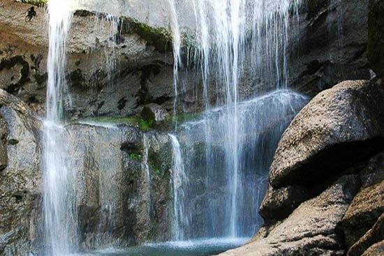 آبشار فصلی بابامنیر فارس