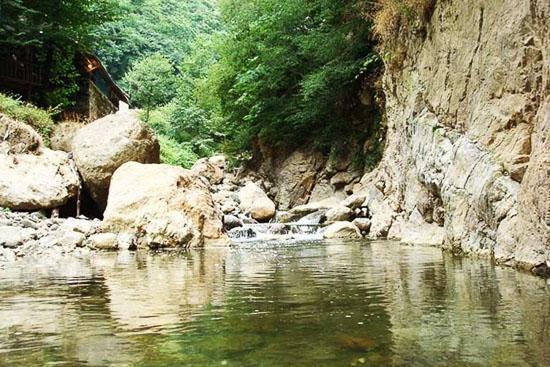 عکس آبشار لارچشمه