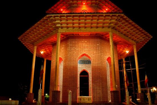 عکس آرامگاه میرزا کوچک خان جنگلی