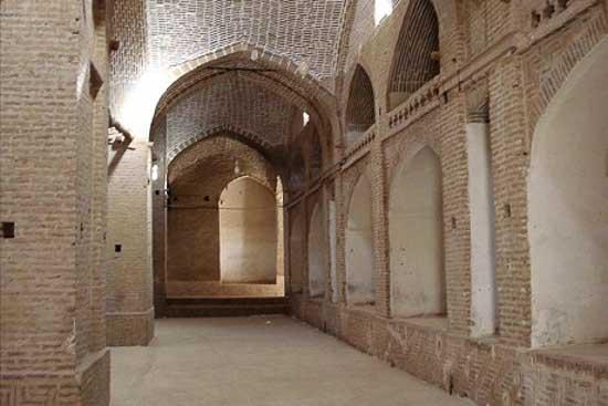 آرامگاه امیر اویس (سنگ سفید) مقبره