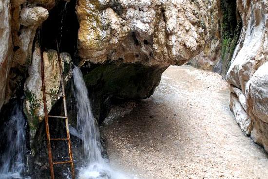 چشمه آبگرم چشماگل