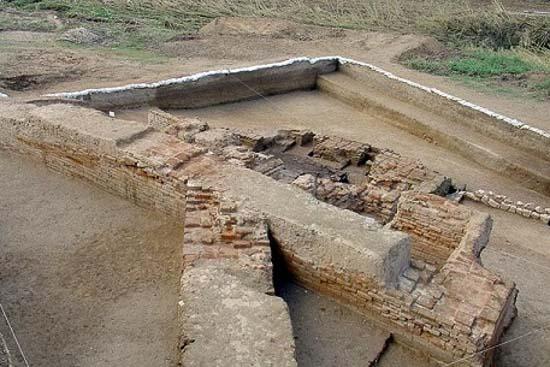 دیوار بزرگ گرگان (سد اسکندری، مار سرخ)