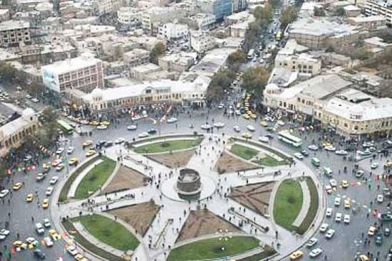 آجرکاری های میدان امام خمینی همدان