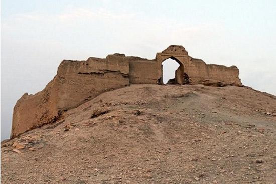 قلعه اژدها پیکر فارس
