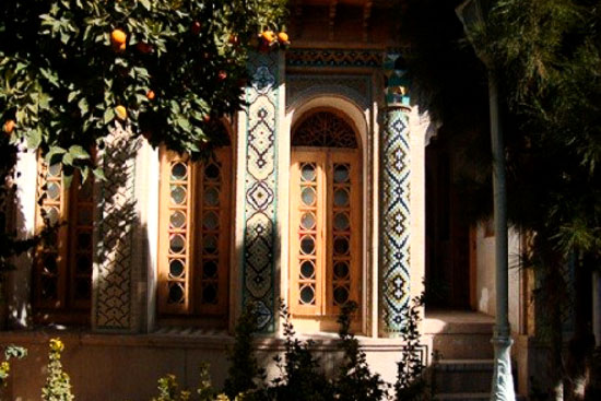 خانه فروغ الملک ( موزه هنر مشکین فام ) فارس