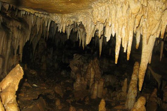 عکس  غار چشمه باد
