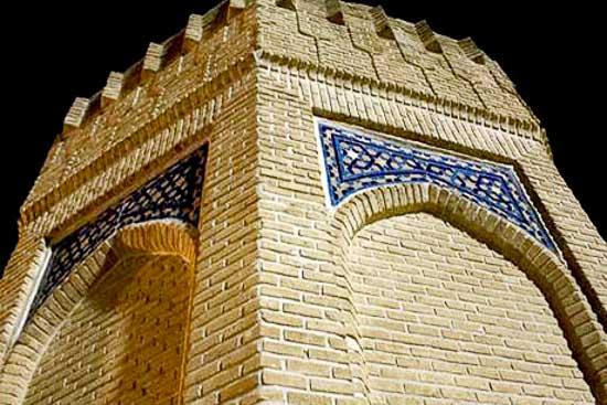 آرامگاه حیقوق نبی در تویسرکان