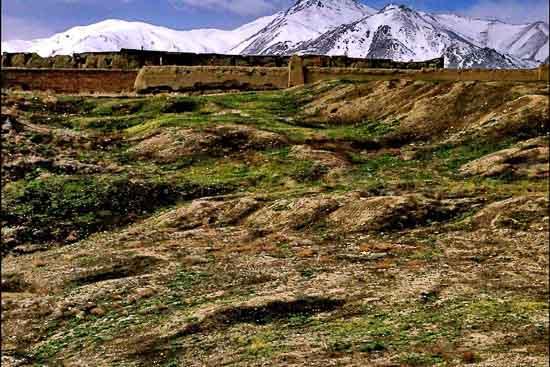 تپه باستانی هگمتانه