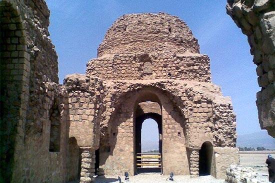 کاخ ساسانی سروستان فارس