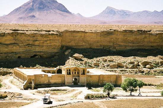 کاروانسرای ایزدخواست فارس