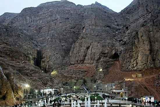 چشمه و ابشار لادر رودخانه