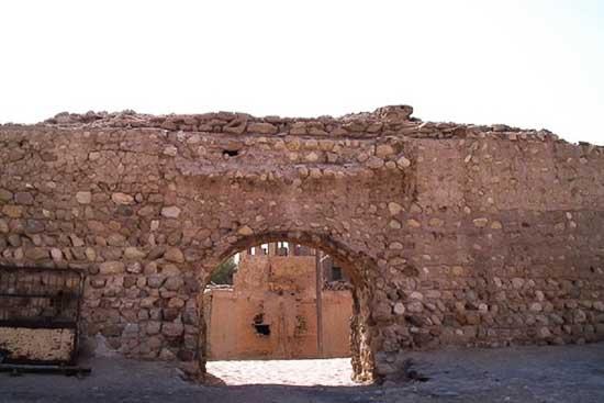 قلعه نادری لافت عکس