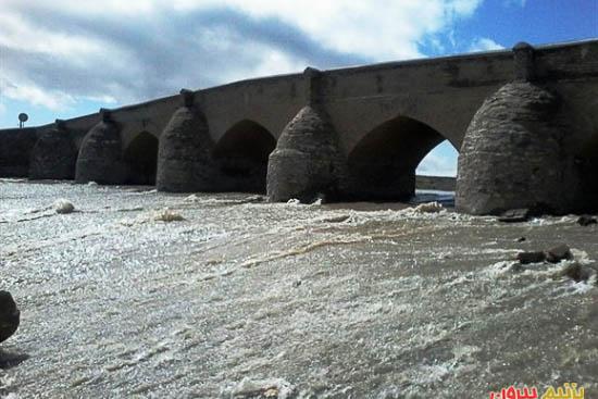 پل مهاجران در روستای مهاجران
