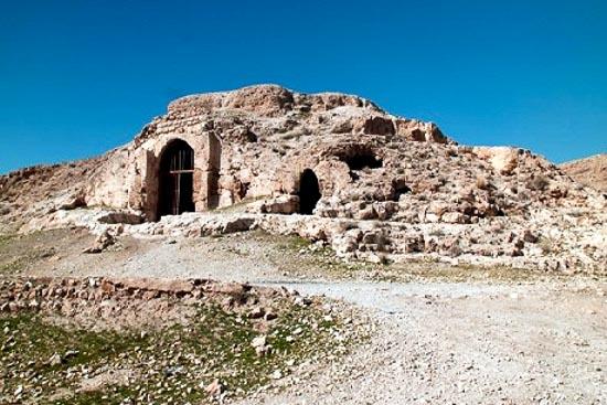 آتشکده آذرخش (مسجد سنگی) فارس