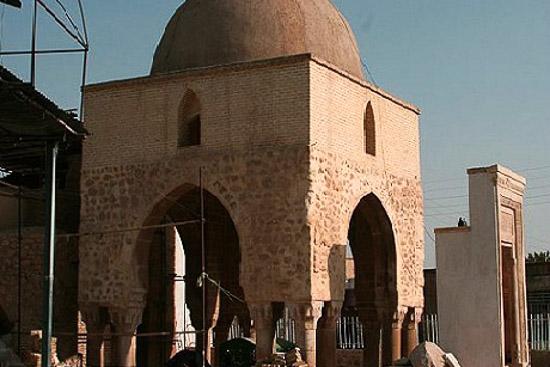 آرامگاه سیخ یوسف سروستانی فارس