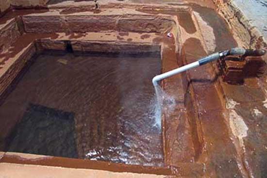 چشمه آب معدنی ورتون تور